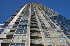 Torre del condominio   foto de archivo libre de regalías