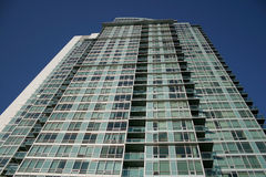 Torre del condominio imagen de archivo libre de regalías
