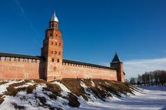 Torre del Cremlino di Novgorod, monumenti storici di Novgorod e dintorni, Russia Immagini Stock