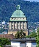Torre del edificio principal de la universidad de Zurich Imágenes de archivo libres de regalías