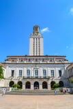 Torre del edificio principal UT en la universidad de Texas Austin College Campus Foto de archivo libre de regalías