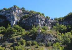 Torre del fortalecimiento apenas fuera de la ciudad episcopal en Rocamadour, Francia Imagenes de archivo