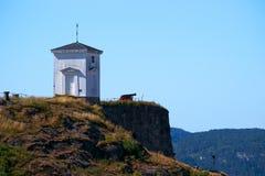 Torre del fuerte, del cañón y del reloj de Fredriksten Imagen de archivo libre de regalías