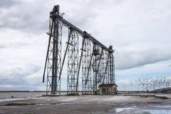 Torre del grano di caricamento della nave Immagini Stock