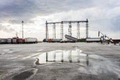 Torre del grano di caricamento della nave Fotografia Stock