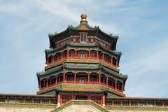 Torre del incienso budista en palacio de verano Imagen de archivo