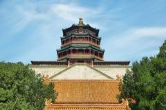 Torre del incienso budista en palacio de verano Imagenes de archivo