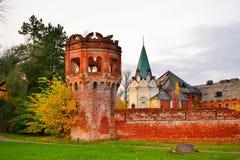 Torre del ladrillo rojo, la bóveda del edificio del hospital del Fyodor Imagen de archivo