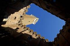 Torre Del Mangia, Siena (Italien) Stockbilder