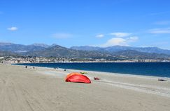 海滩Torre Del Mar 免版税库存图片