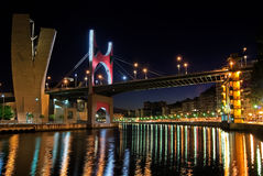 Torre del museo Bilbao, España de Guggenheim Imagenes de archivo