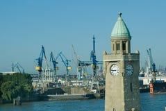 Torre del nivel del puerto de Hamburgo, Alemania Imágenes de archivo libres de regalías