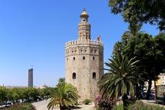 Torre del Oro eller guld- torn (det 13th århundradet), Seville, Andalusia, sydliga Spanien Royaltyfri Bild