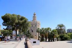 Torre del Oro o torre dorata (XIII secolo), un posto di guardia dodecagonale militare arabo medievale in Siviglia, Andalusia, Spa Fotografia Stock