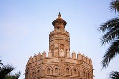 Torre del oro. Puesta del sol en Sevilla. Foto de archivo libre de regalías