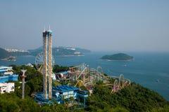 Torre del parco dell'oceano del parco dell'oceano che trascura l'oceano su area di ricreazione della terra Fotografia Stock