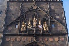 Torre del ponte di Città Vecchia a Praga immagini stock