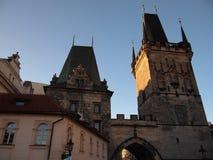 Torre del puente de Charles Bridge (Praga, República Checa) Imagen de archivo