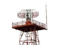 Torre del radar del metallo nell'area dell'aeroporto Fotografie Stock Libere da Diritti