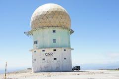 Torre del radar en Torre, Portugal Fotografía de archivo