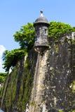 Torre del reloj en castillo del EL Morro fotos de archivo libres de regalías