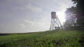 Torre del reloj del pájaro metrajes