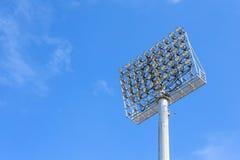 Torre del riflettore con cielo blu Fotografia Stock