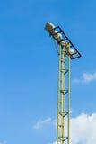 Torre del riflettore sul cielo Immagini Stock