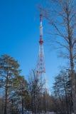 Torre del ripetitore del segnale televisivo Immagini Stock