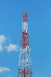 Torre del ripetitore dell'antenna immagini stock