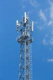 Torre del ripetitore dell'antenna fotografia stock