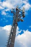 Torre del ripetitore di comunicazione fotografia stock