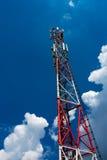 Torre del ripetitore di comunicazione di GSM immagine stock