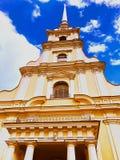 Torre del ` s del St Vitus Cathedral, St Petersburg - Rusia imagenes de archivo