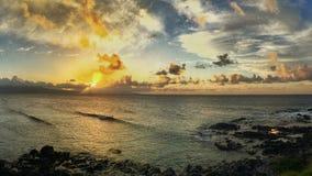 Torre del salvavidas en la puesta del sol Imagen de archivo libre de regalías