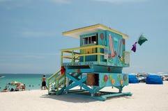 Torre del salvavidas en playa del sur Imagen de archivo