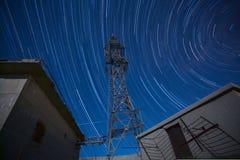 Torre del segnale e traccia della stella Fotografia Stock Libera da Diritti