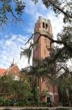 Torre del siglo en la universidad de Gainesville, la Florida los E.E.U.U. Foto de archivo libre de regalías