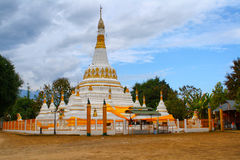Torre del stupa de la pagoda Imágenes de archivo libres de regalías
