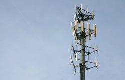 Torre del teléfono celular/de la microonda Imagenes de archivo