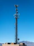 Torre del telefono cellulare Fotografie Stock Libere da Diritti