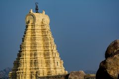 Torre del templo de Virupaksha, Hampi Karnataka fotos de archivo