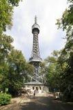Torre dell'allerta di Petrin (simile alla torre Eiffel) Fotografia Stock Libera da Diritti