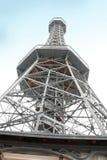 Torre dell'allerta di Praga sulla collina di Petrin Fotografia Stock Libera da Diritti