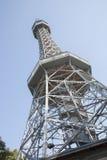 Torre dell'allerta, parco della collina di Petrin, Praga Fotografia Stock