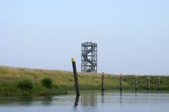 Torre dell'allerta sulla diga Fotografie Stock Libere da Diritti