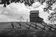 Torre dell'allerta sulla montagna della marmotta - Ridge Parkway blu, la Virginia, U.S.A. Immagini Stock Libere da Diritti