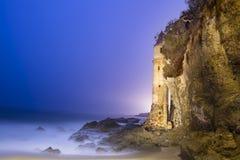 Torre dell'allerta sulla spiaggia Fotografie Stock Libere da Diritti