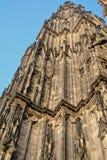 Torre della cattedrale cattolica di Colonia o di alta cattedrale di St Peter Fotografia Stock