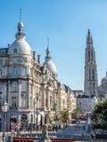 Torre della cattedrale della nostra signora con la scena della città di Anversa Immagine Stock Libera da Diritti